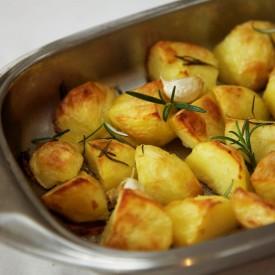 Roast potatoes, rosemary & garlic