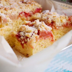 Yeast Rhubarb And Strawberry Cake