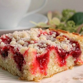 Cherry Coffee Cake w/ Crumb Topping