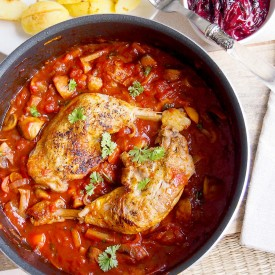 Chicken Baked In Sweet Wine Sauce