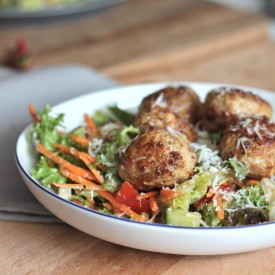 Spicy Meatball Salad