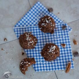 Chocolate Pumpkin Pecan Macaroons