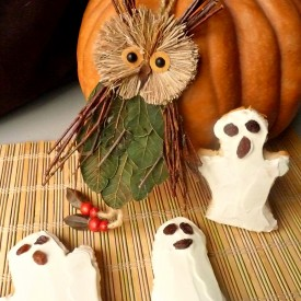 Ghost biscuits with cream cheese