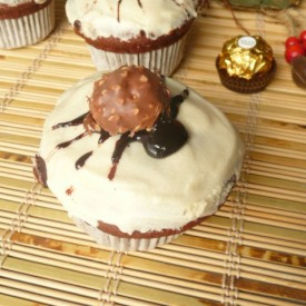 Spider muffins with Ferrero Rocher