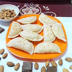 Chocolte & Nut Karanji
