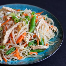 Rice Noodles w/ Chicken & Asparagus
