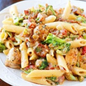 Cheesy Chicken Bacon Broccoli Pasta