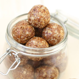 Apricot and Almond Energy Bites