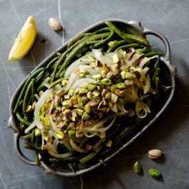 Green Beans With Garlic And Pistachios
