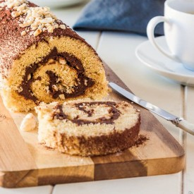 Nutella Roulade (Swiss Roll Cake)