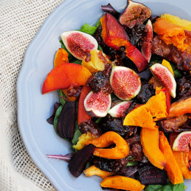 Warm autumn salad with a fig twist