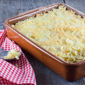Oven-baked macaroni and cheese