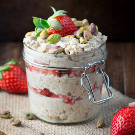 Strawberry and Maple Overnight Oats