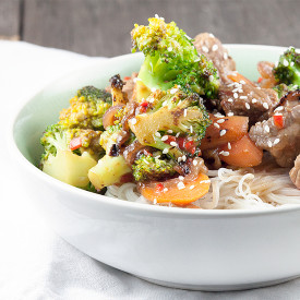 Beef stir fry with broccoli