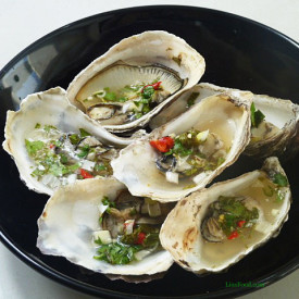 Thai Style Grilled Oysters