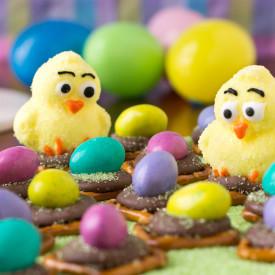 Easter Egg Peanut Butter Pretzel