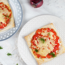 Coeur de boeuf tomato tartlets