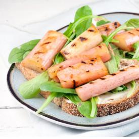 Grilled rhubarb carre d'ambre sandw