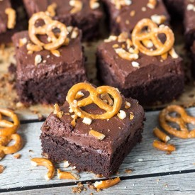 Nutella Brownies with a Pretzel Crust