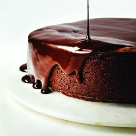Darkest Chocolate Cake with Red Win