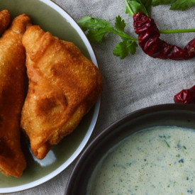Samoosas with Mint-Cilantro Dip
