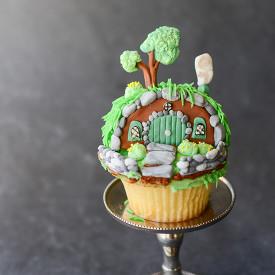 Hobbit Hole Shire Cupcakes