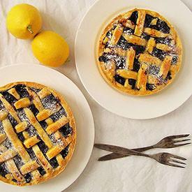 Blueberry Pie with Lemon