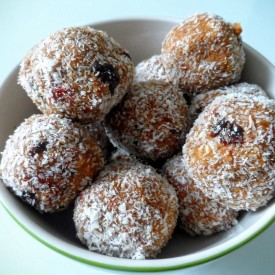 Tsampa Energy Balls with Coconut