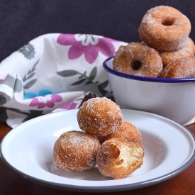 Eggless Cinnamon Sugar Donuts