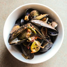Mussels in a Tomato-Jalapeno Cream
