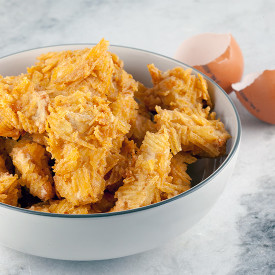 Deep-fried potato chip chicken