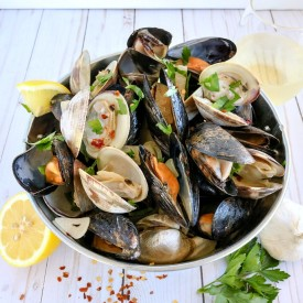 Clams & Mussels in Sauce