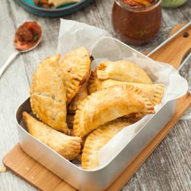 Baked Spicy Pulled Pork Empanadas