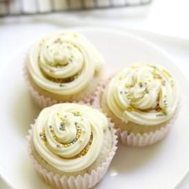 Classic GF/V/AF Vanilla Cupcakes