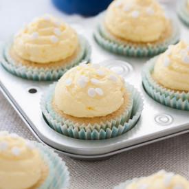 Vanilla Cupcakes & Custard Frosting
